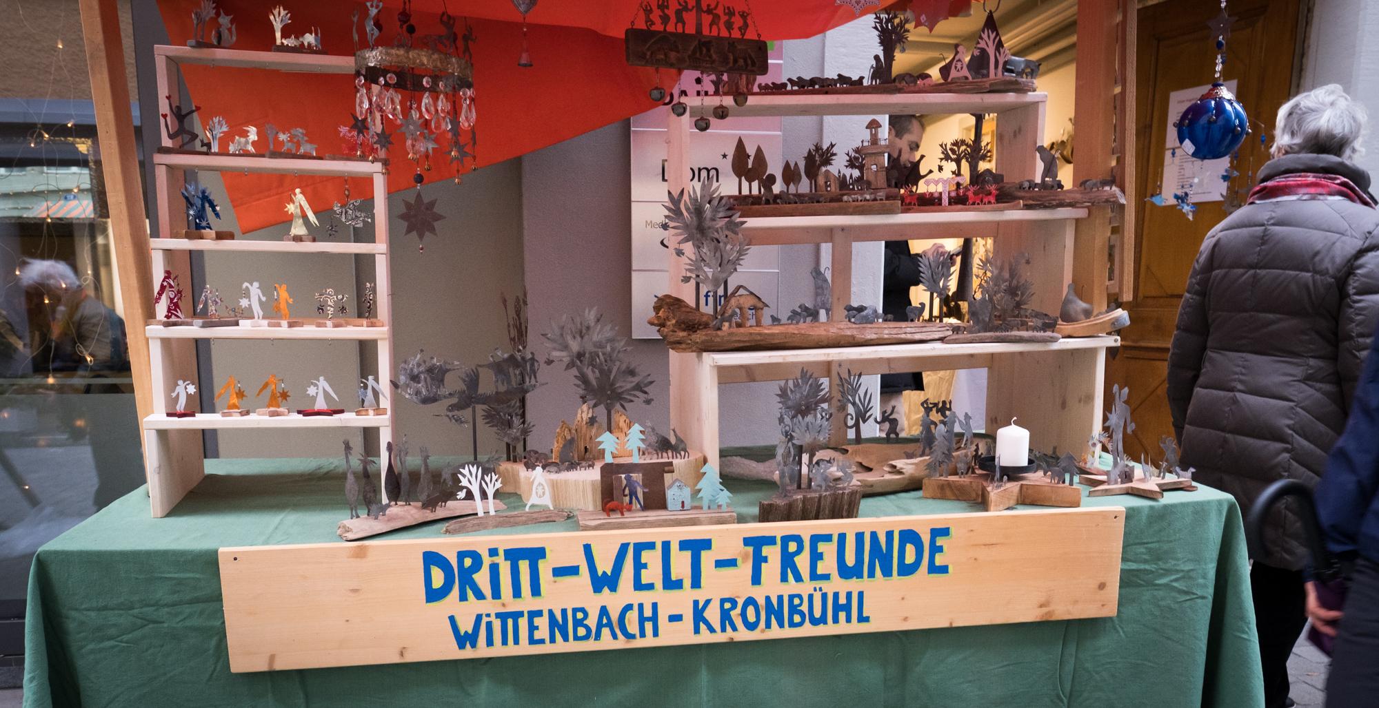 Weihnachtsstand 3. Weltfreunde an der Webergasse in St.Gallen Dez. 2018